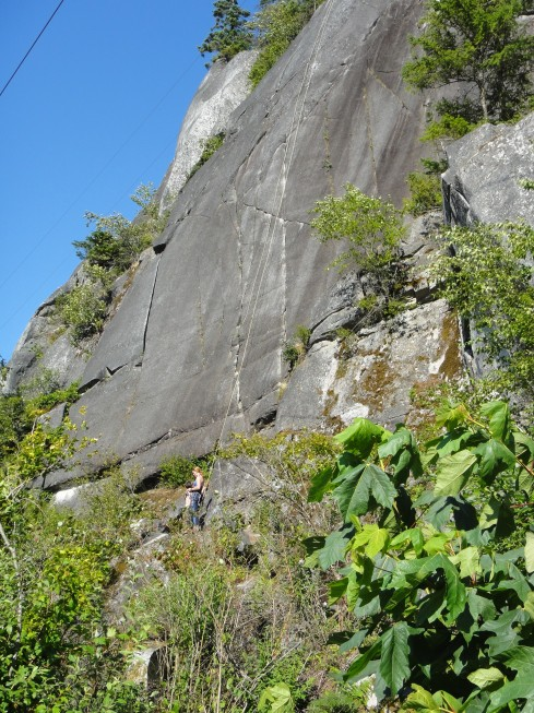 Climbers at Smoke Bluffs