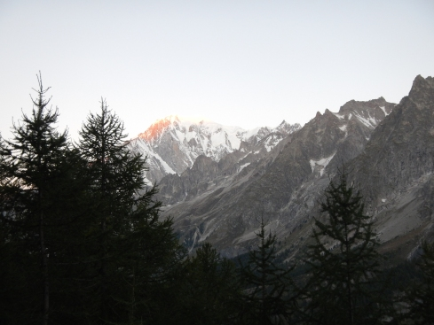 First photo of the unbelievable Alpenglow on Monte Bianco at about 6:40 am