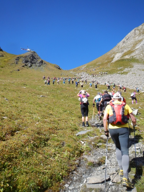 Col d'Arp - The long snake of 700 runners winding its way to the summit.